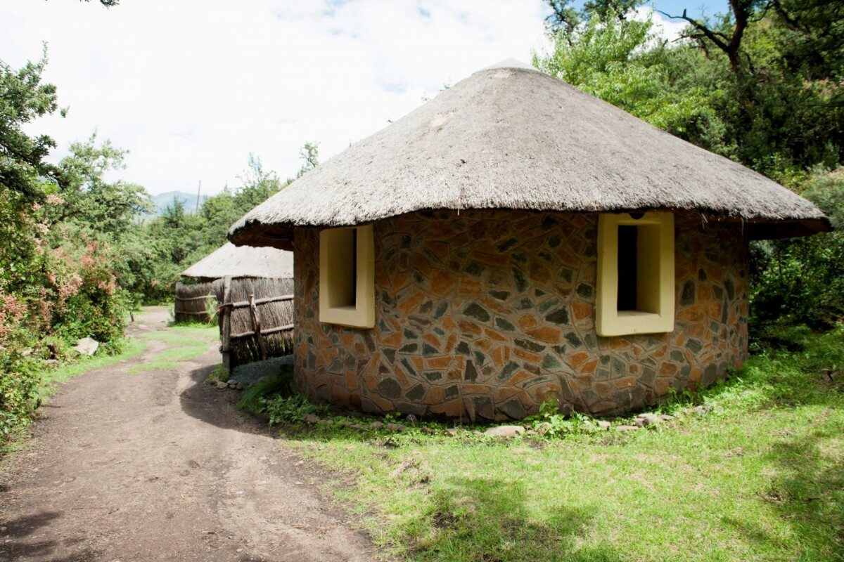 3 star Riverside Hut-Maliba